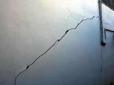Vết nứt tường nhà