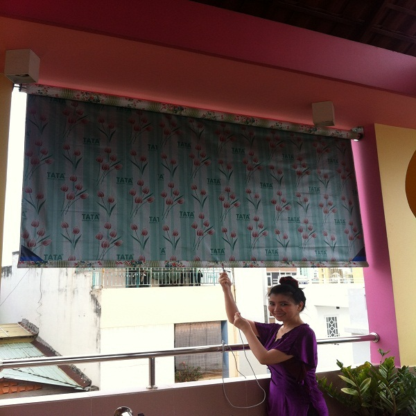 Lắp đặt bạt che nắng mưa tự cuốn thông minh tại Hà Đông giá rẻ